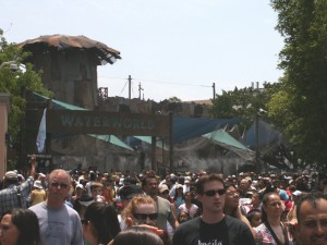 waterworld-queue-line-misting-theme-park